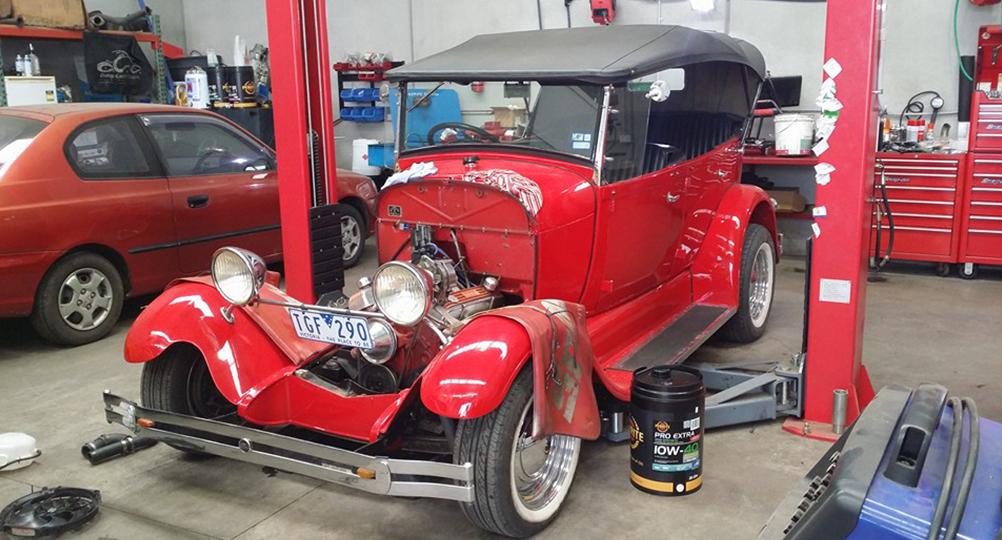 C & M Motoring Pakenham Mechanic - Classic Cars